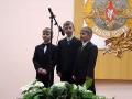 На сцене будущие защитники Отечества.