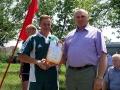 Глава Малоархангельского района Ю. А. Маслов с капитаном команды-победительницы - С. Н. Жериховым.