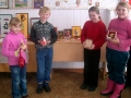 Воспитанники студии Керамика со своими работами.