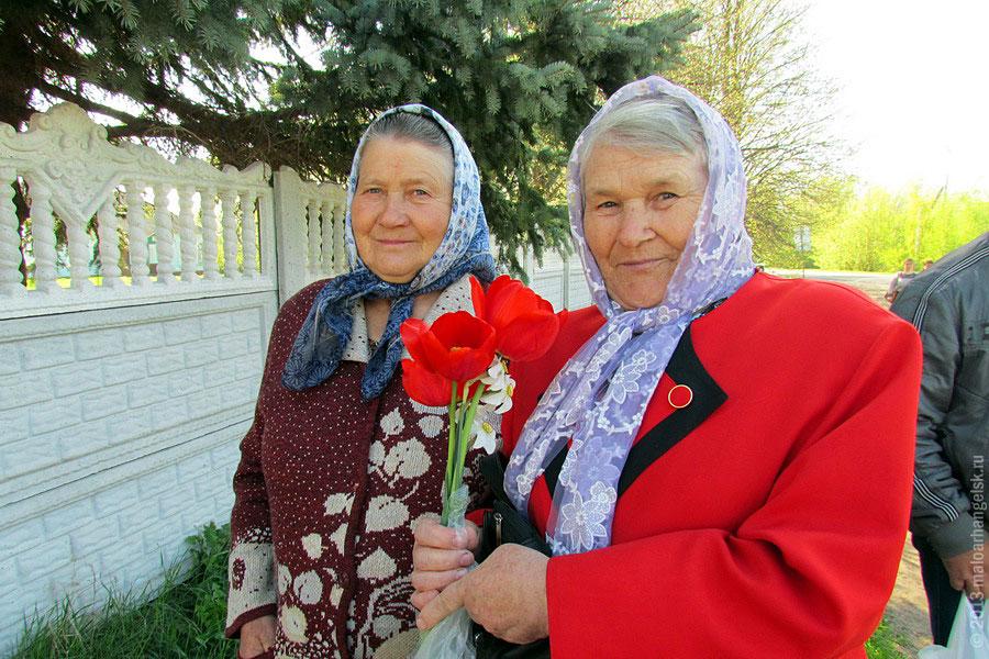 Две Раисы: Чудакова и Ананьева каждый год приходят на мемориал в с. Протасово.