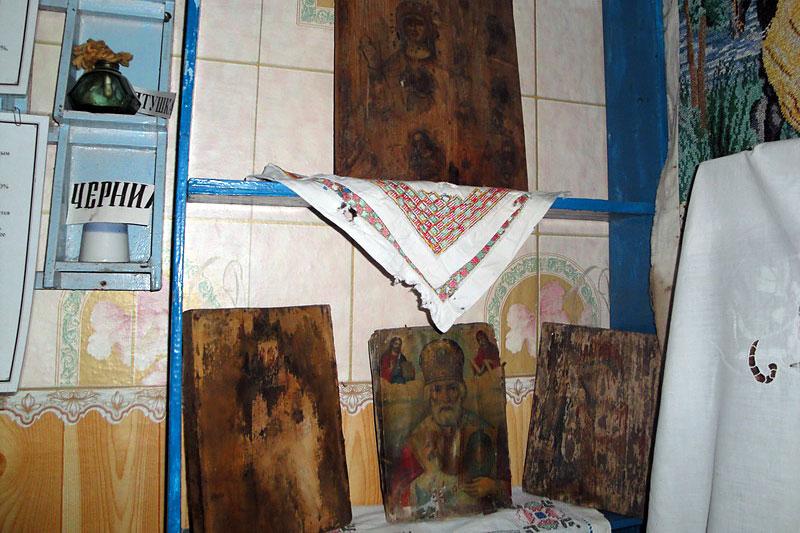 Эти иконы когда-то украшали храм с. Луковец.