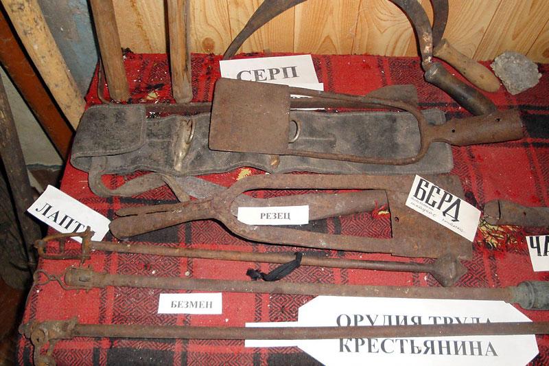 Орудия труда крестьянина теперь можно увидеть только в музее.