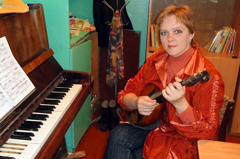 Любимый музыкальный инструмент Елены Винс - домра.