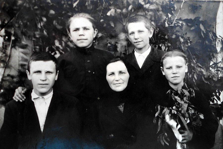 Семья Внуковых, 1951 год.