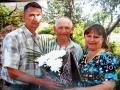 Анатолий Кузьмич Внуков с сыном и племянницей.