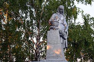 Воинское захоронение 57-372, д. Первая Ивань Орловской обл. Малоархангельский р-н