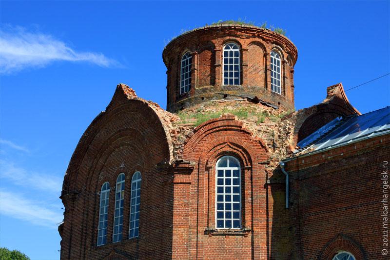 Купол храма требует восстановления.