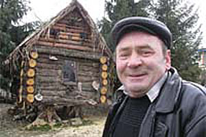 Житель деревни Вторая Подгородняя Малоархангельского района Орловской области Алексей Щеглов подарил своим внукам сказку