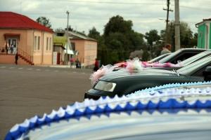 Свадебный машин в центре Малоархангельска