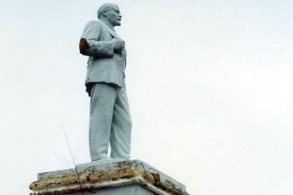 Памятник Ленину в Малоархангельске, 2001 год