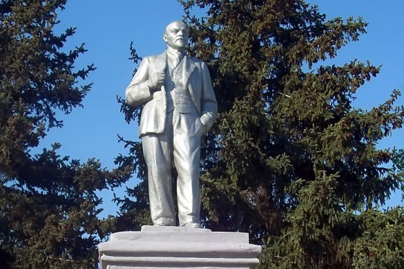 Памятник Ленину в Малоархангельске, 2009 год. Фото А. Полынкина