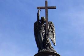Ангел на Александровской колонне, Санкт-Петербург. Скульптор Борис Орловский.
