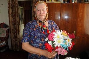 Тамара Ивановна Петрова вязать крючком начала еще в раннем детстве