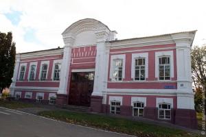 Дом детского творчества в Малоархангельске. Фото: октябрь 2009 г.