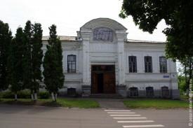 Дом детского творчества Малоархангельского района располагается в здании постройки конца XIX века, изначально предназначавшемся для церковно-приходской школы