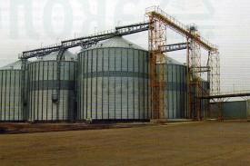 За счет средств инвестора в хозяйстве практически завершено строительство семенного комплекса на сумму более 270 миллионов рублей