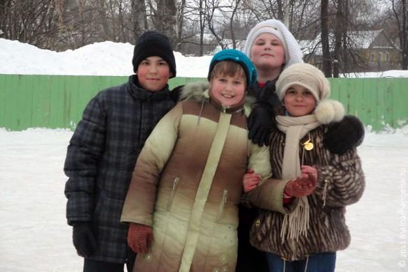 Малоархангельский каток, начало февраля 2011 года. Фигуристы и фигуристки.