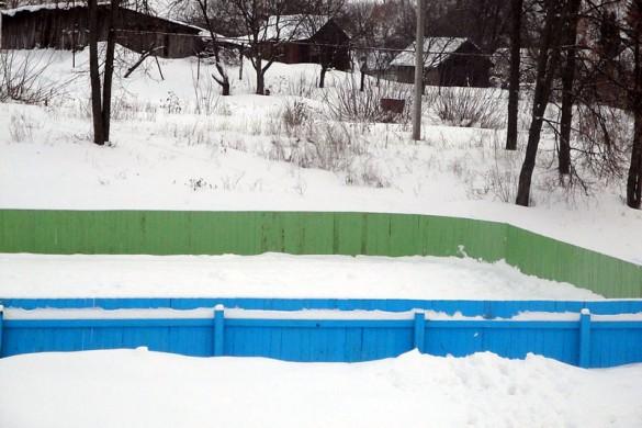 Каток в Малоархангельске: январь 2011 года.