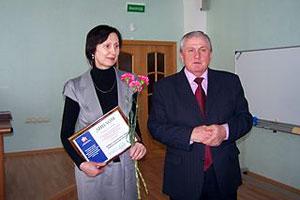 Начальник УПФР в Малоархангельском районе Н. И. Музалевская и управляющий ОПФР Н. М. Баранчиков.