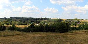 Вид на Первую Ивань со стороны старой дороги на Ливны. Нажмите на изображение, чтобы перейти к осмотру (откроется в новом окне).