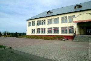 Здание Совхозской средней школы.
