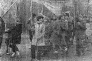 На Октябрьской демонстрации 1984 года в Малоархангельске.