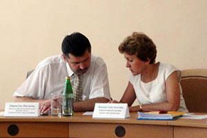 На совещании по вопросу оптимизации сети муниципальных образовательных учреждений и повышения средней заработной платы работников общеобразовательных учреждений в 2011 году.