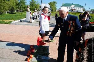 Возложение цветов ветеранами в Малоархангельском районе. 4 мая 2012 года.