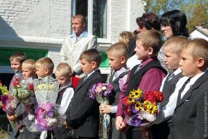 На юбилее Ивановской средней школы.