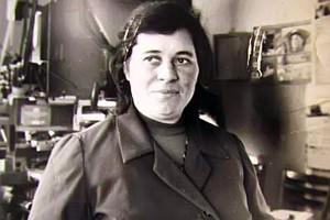 Работница типографии Людмила Федоровна Фролова.