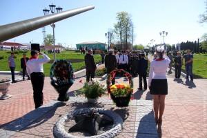 Возложение цветов в Парке Победы Малоархангельска в честь Дня Победы 8 мая 2013 года.