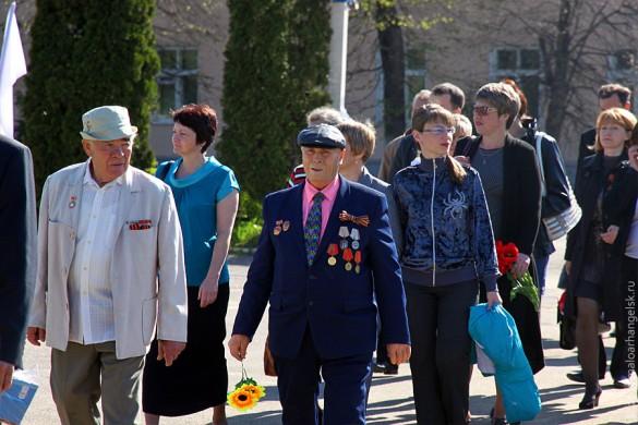 Идут ветераны ВОВ Малоархангельского района.