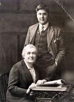 Любовь Николаевна Юркевич с внуком Валли (сын Владимира Юркевича и принцессы Салихи).