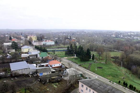 Парк Пушкина, ДДТ и здание Администрации. И памятник Пушкину.