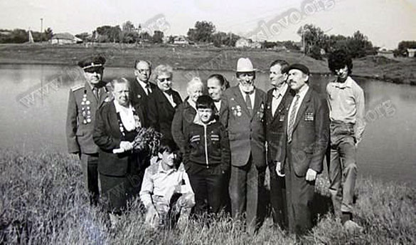 Встреча фронтовиков. Город Малоархангельск, СССР, 1990 год.