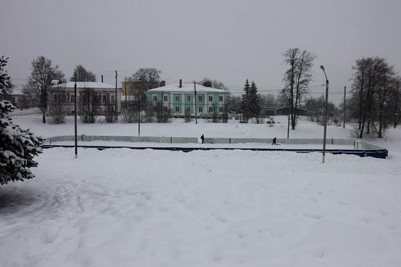 Каток в Пушкинском парке Малоархангельска.