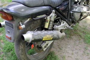 Водитель мотоцикла Хонда не справился с управлением, допустил съезд мотоцикла в кювет.