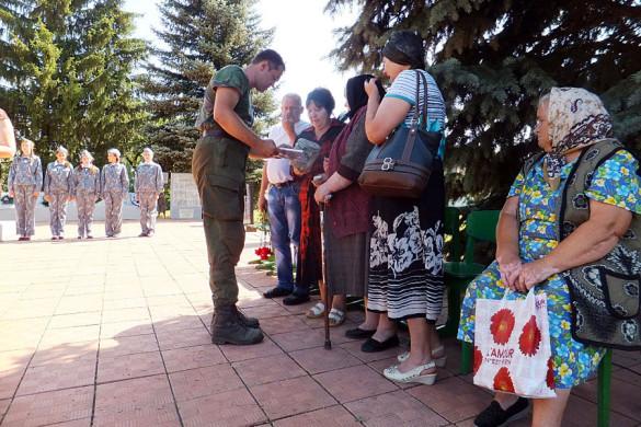 На митинге присутствовала сестра погибшего Кондрата Яковлевича Овсянникова, Шевлякова Марфа Яковлевна.