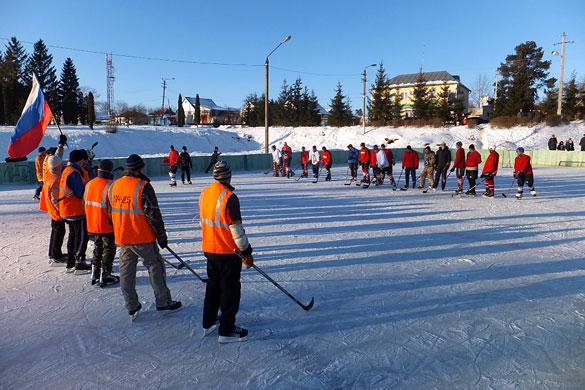 27 января 2013 года на ледовом катке г. Малоархангельска состоялась товарищеская встреча хоккейных команд г. Малоархангельска и п. Станция Малоархангельск.