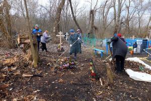 Благоустройство и реконструкция братских захоронений в селе Архарово.