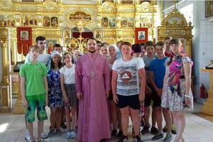 27 июня 2016 года по приглашению настоятеля храма иерея Владимира Фролкина дети из оздоровительного трудового лагеря «Подросток» посетили храм в честь Михаила Архангела в Малоархангельске.