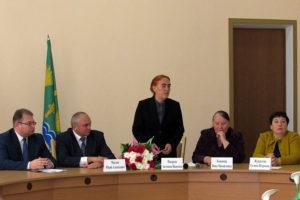 Вновь избранные депутаты единогласно избрали Юрия Алексеевича Маслова на пост Главы Малоархангельского района.