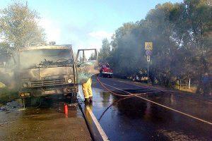 В Малоархангельске спасатели потушили горящий КАМАЗ за 10 минут.
