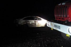 Водитель автомобиля Форд допустил опрокидывание автомобиля в кювет.