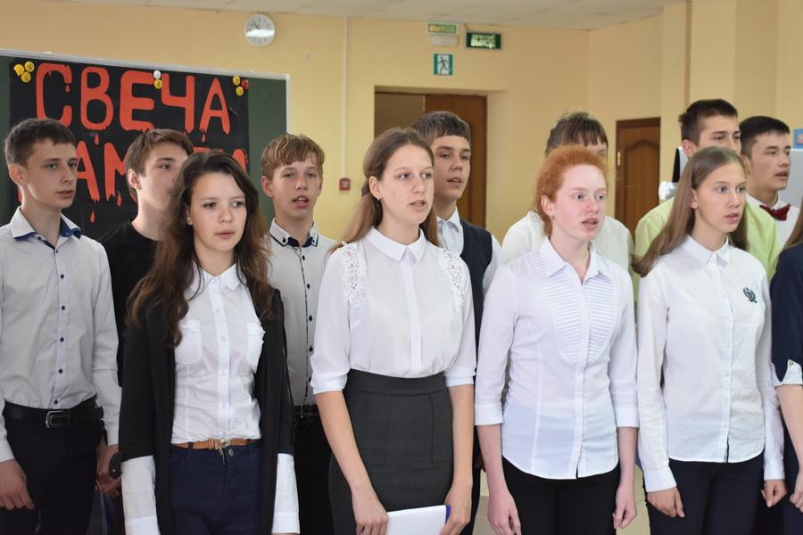 Фестиваль солдатской песни во второй городской школе Малоархангельска
