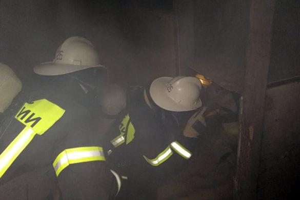 Малоархангельские пожарные отработали действия в непригодной для дыхания среде