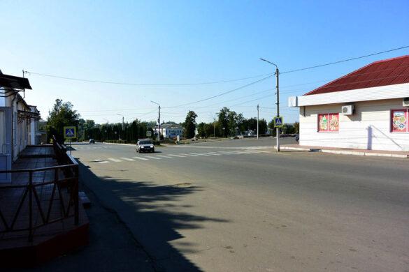 Перекрёсток улиц Советской и К. Маркса в г. Малоархангельске.