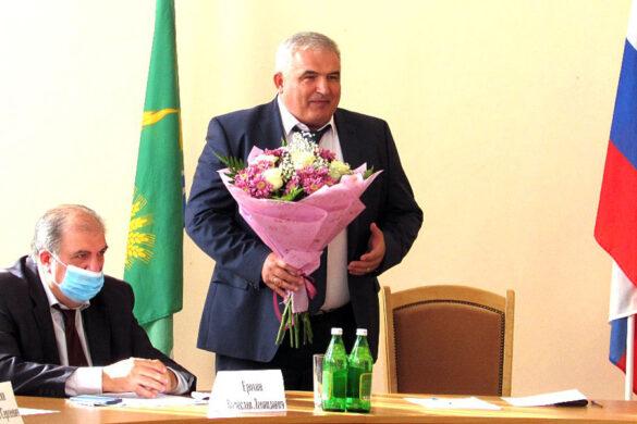 Депутаты единогласно избрали Петра Васильевича Матвейчука на пост Главы Малоархангельского района.
